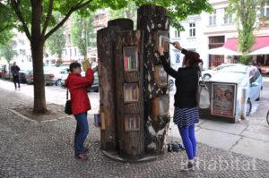 Book-tree11